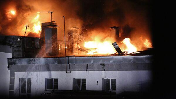 Ликвидация пожара на складе на востоке Москвы. Архивное фото