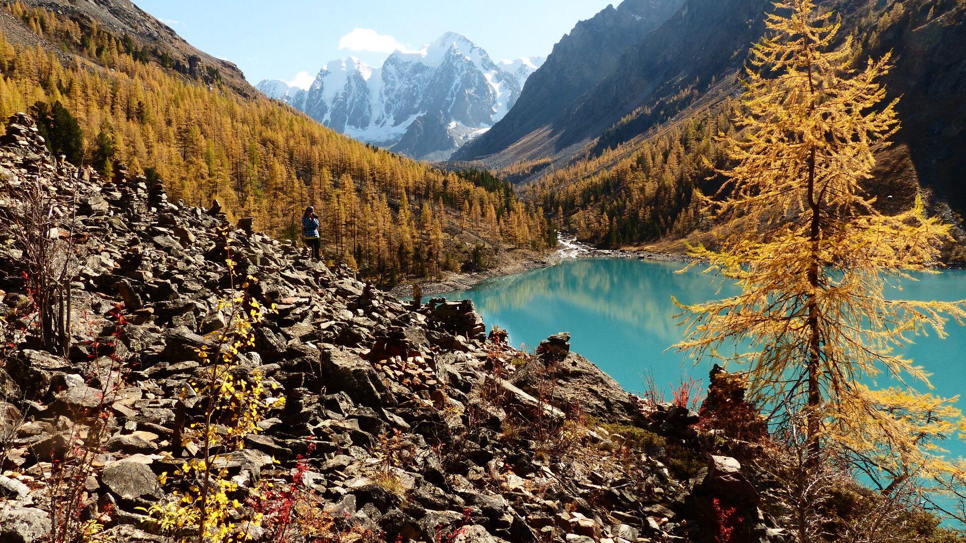 Нижнее Шавлинское озеро в Кош-Агачском районе Республики Алтай - РИА Новости, 1920, 06.07.2021