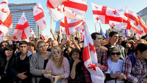 Сторонники оппозиции на митинге в Тбилиси. Архивное фото