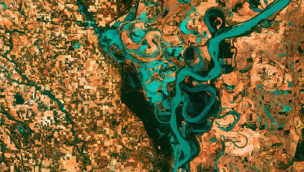 Изгибы реки Миссисипи, Северная Америка. 2003 год