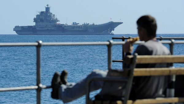 Авианосец Адмирал Кузнецов в Средиземном море. Архивное фото