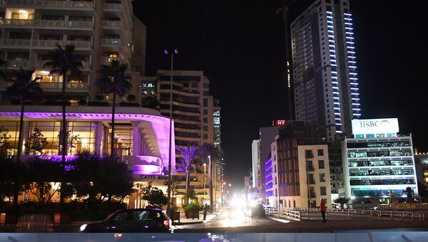 Ночная иллюминация на улице в Бейруте