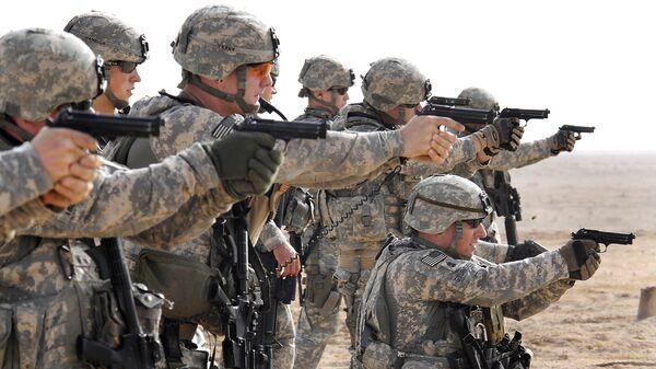 Американские военные во время тактических учений в Басре, Ирак
