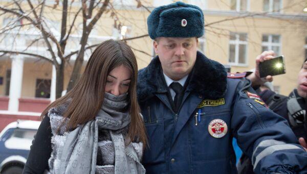 Задержанная за нарушение ПДД Мара Багдасарян в Савеловском районом суде Москвы