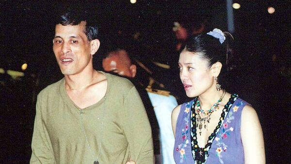 Наследный принц Таиланда Маха Ватчиралонгкон Махидол (слева). Архивное фото