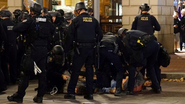 Задержание участника акции протеста в Портленде