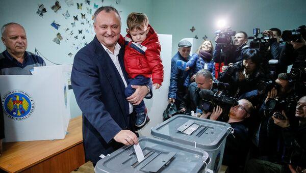 Игорь Додон на втором туре выборов президента Молдавии