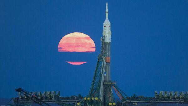 Суперлуние на космодроме Байконур