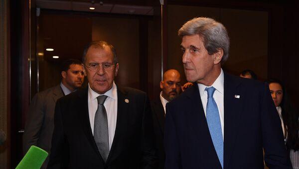 Министр иностранных дел РФ Сергей Лавров и госсекретарь США Джон Керри после встречи в Лиме на полях саммита АТЭС