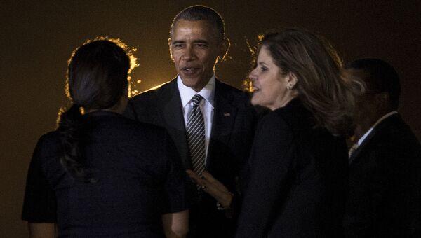 Президент США Барак Обама в аэропорту города Лима перед саммитом АТЭС