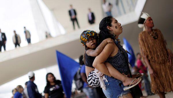 В Бразилии представители коренных народов захватили часть дворца Планалту, 22 ноября 2016