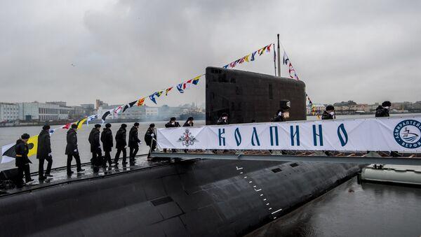 Торжественная церемония передачи подлодки Колпино ВМФ России на пристани АО Адмиралтейские верфи в Санкт-Петербурге