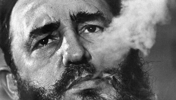 Премьер-министр Кубы Фидель Кастро во время интервью в президентском дворце в Гаване. 1 марта 1985