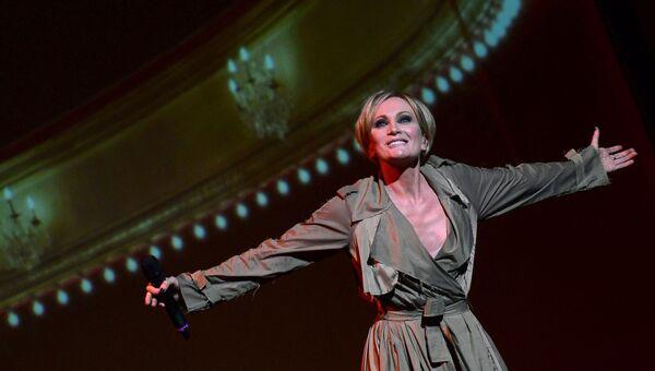 Французская певица Патрисия Каас во время концерта Каас поет Пиаф в Нью-Йорке, США