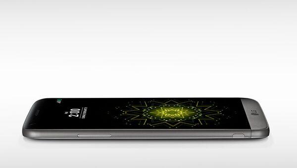 Смартфон LG G5 SE. Архивное фото
