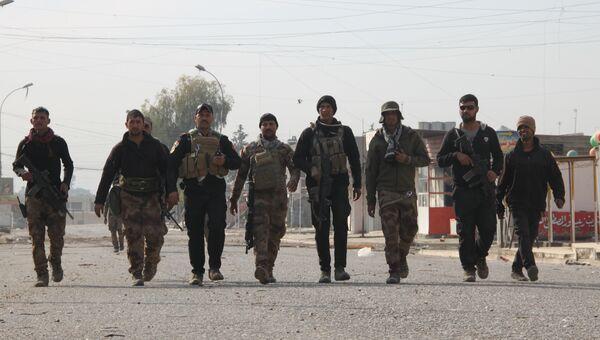 Бойцы иракского антитеррористического отряда на улицах Мосула. Архивное фото