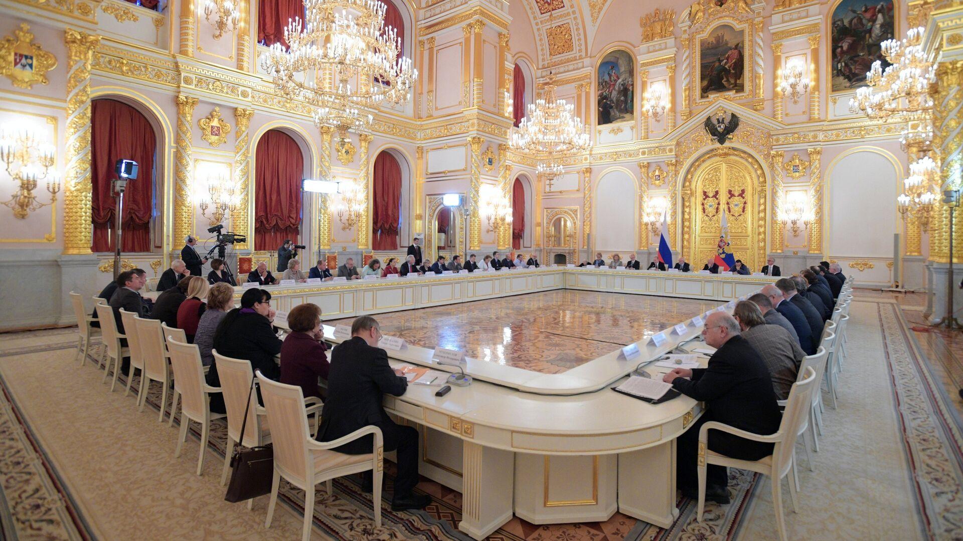 Президент РФ Владимир Путин проводит заседание Совета по развитию гражданского общества и правам человека. 8 декабря 2016 - РИА Новости, 1920, 17.03.2021