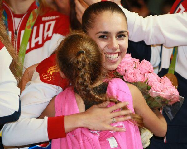Маргарита Мамун (Россия), завоевавшая золотую медаль в индивидуальном многоборье по художественной гимнастике на Олимпиаде в Рио-де-Жанейро