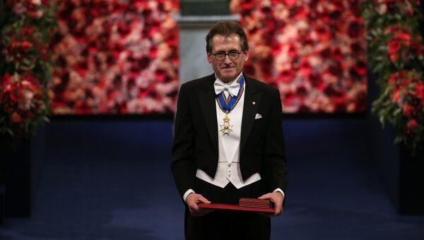 Нобелевский лауреат по химии 2016 года Бернард Феринга во время церемонии вручения премий в Стокгольме. Архивное фото