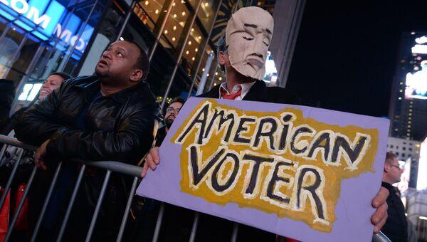 Площадь Таймс-сквер в Нью-Йорке во время выборов президента США. Архивное фото