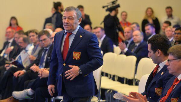 Председатель правления Федерации хоккея России Аркадий Ротенберг на Международном хоккейном форуме. 16 декабря 2016