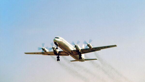 Cамолёт Ил-18. Архивное фото