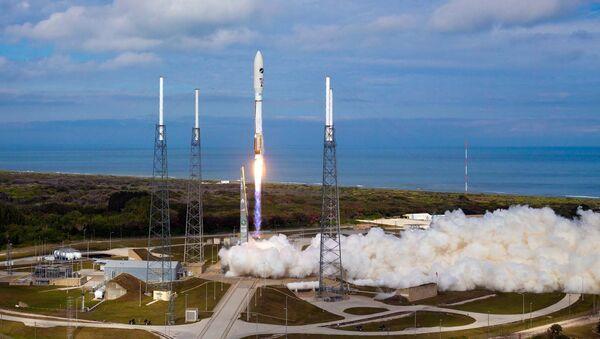 Старт ракеты Atlas V со спутником вооруженных сил США с мыса Канаверал, штат Флорида. Архивное фото