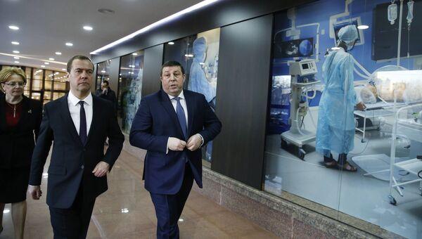 Председатель правительства РФ Дмитрий Медведев во время посещения Первого Московского государственного медицинского университета имени И. М. Сеченова в Москве. 20 декабря 2016