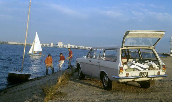 Автомобиль ГАЗ-24-02