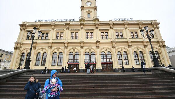 Здание Ленинградского вокзала. Архивное фото