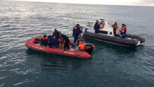 Поисковые группы МЧС обнаружили фрагменты Ту-154, потерпевшего крушение в Сочи. 26 декабря 2016