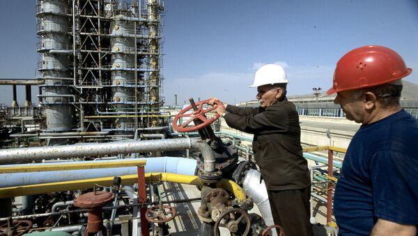 Газоперерабатывающий завод в Азербайджане. Архивное фото
