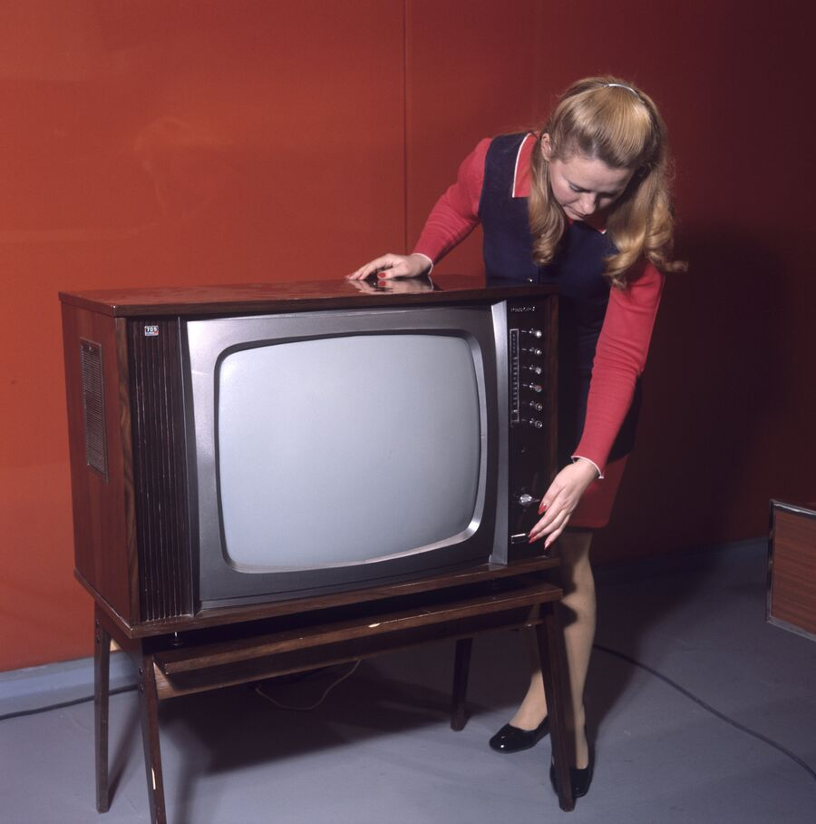 Цветной телевизор Рекорд-705