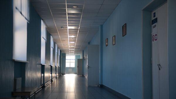 Коридор средней общеобразовательной школы. Архивное фото