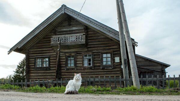 Жилой деревянный дом в деревне Кинерма в Карелии