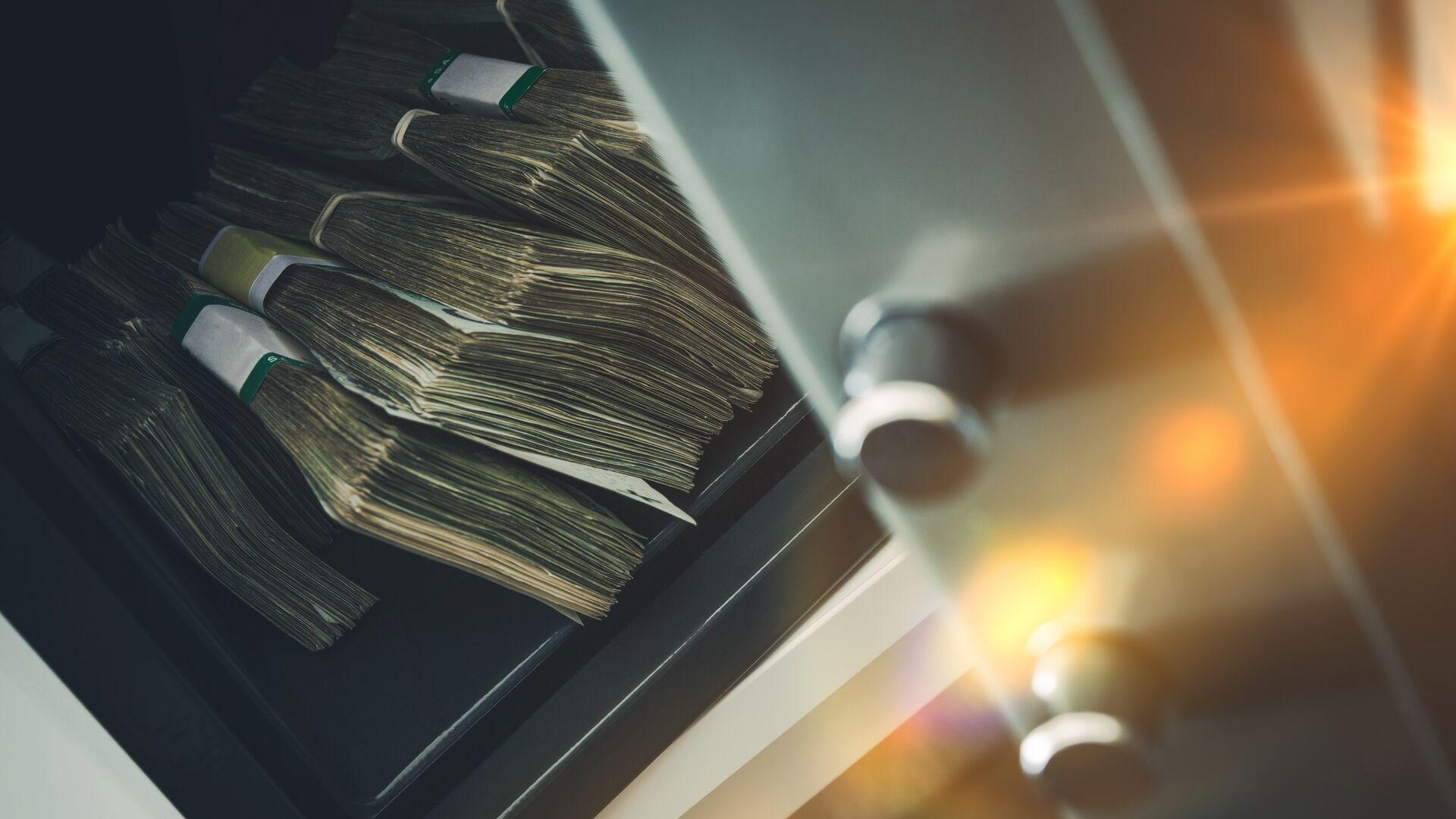 Деньги в банковском хранилище - РИА Новости, 1920, 07.10.2020
