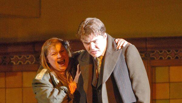 Лариса Гоголевская и Эдуард Цанга на сцене Мариинского театра. Архивное фото