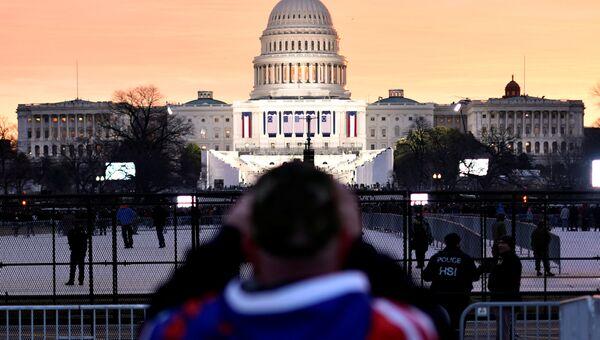 Сторонник Дональда Трампа в ожидании начала инаугурации избранного президента США. 20 января 2017 года