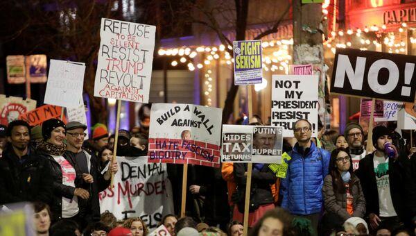 Акция протеста в Вашингтоне против Дональда Трампа