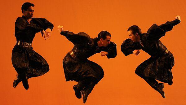Солист Ансамбля народного танца имени Игоря Моисеева Рамиль Мехдиев. Архивное фото