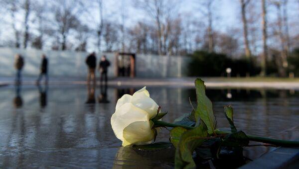 У мемориала в Берлине в день памяти жертв Холокоста