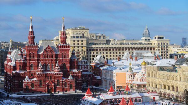Вид центра Москвы со Спасской башни Московского Кремля. Архивное фото