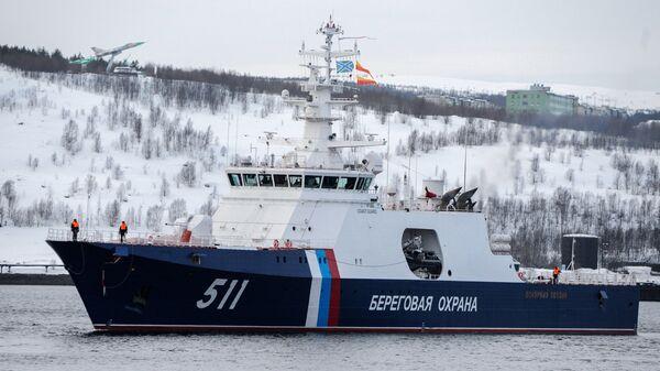 Встреча пограничного сторожевого корабль проекта 22100 Полярная звезда