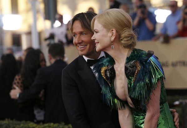 Актриса Николь Кидман и ее муж Кит Урбан на церемонии вручения премии Гильдии киноактеров США в Лос-Анджелесе