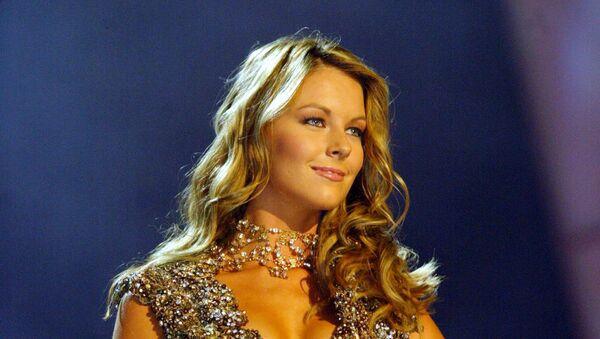 Победительница конкурса Мисс Вселенная австралийка Дженнифер Хоукинс. 2004 год
