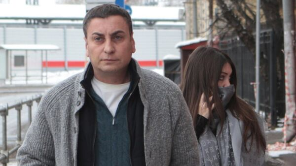 Эльмар Багдасарян и Мара Багдасарян, прибывшей на обязательные работы в ГБУ Жилищник