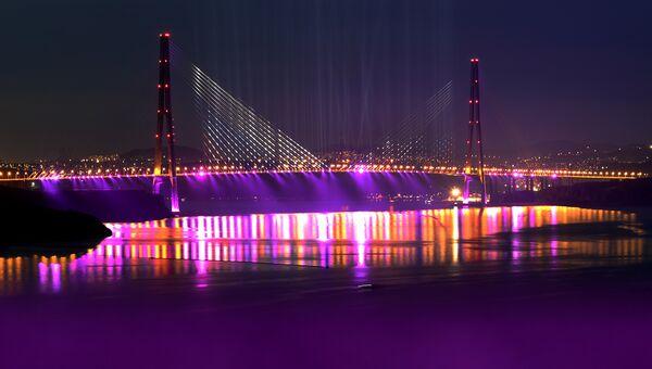 Вантовый мост через пролив Босфор-Восточный во Владивостоке