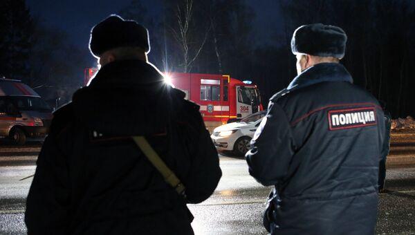 Полицейские на месте крупной дорожной аварии в Новой Москве