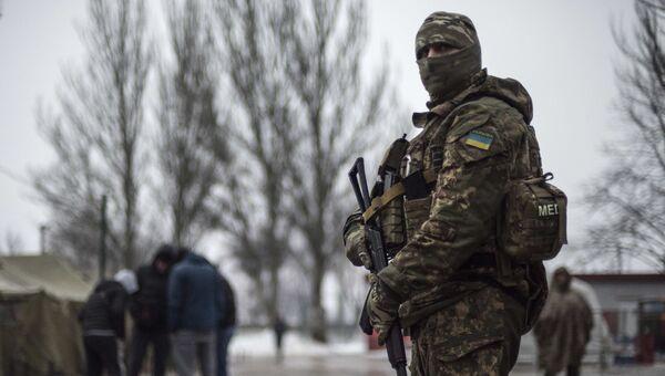 Украинский военнослужащий в Авдеевке. Февраль 2017