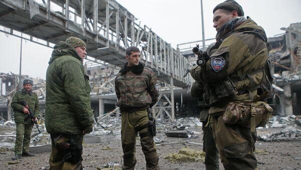 Ополченец ДНР с позывным Гиви в аэропорту Донецка. Архивное фото